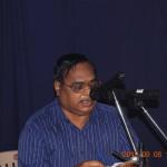 Dr P Syamasundara Murthy, President of the samithi, addressing the students.