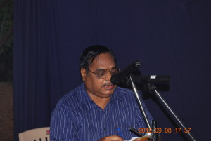 Dr P Syamasundara Murthy, President of the samithi, addressing the students.