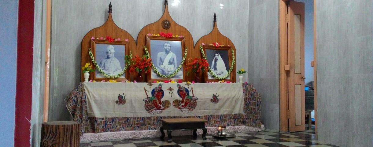 The shrine in the Dhyana Mandiram