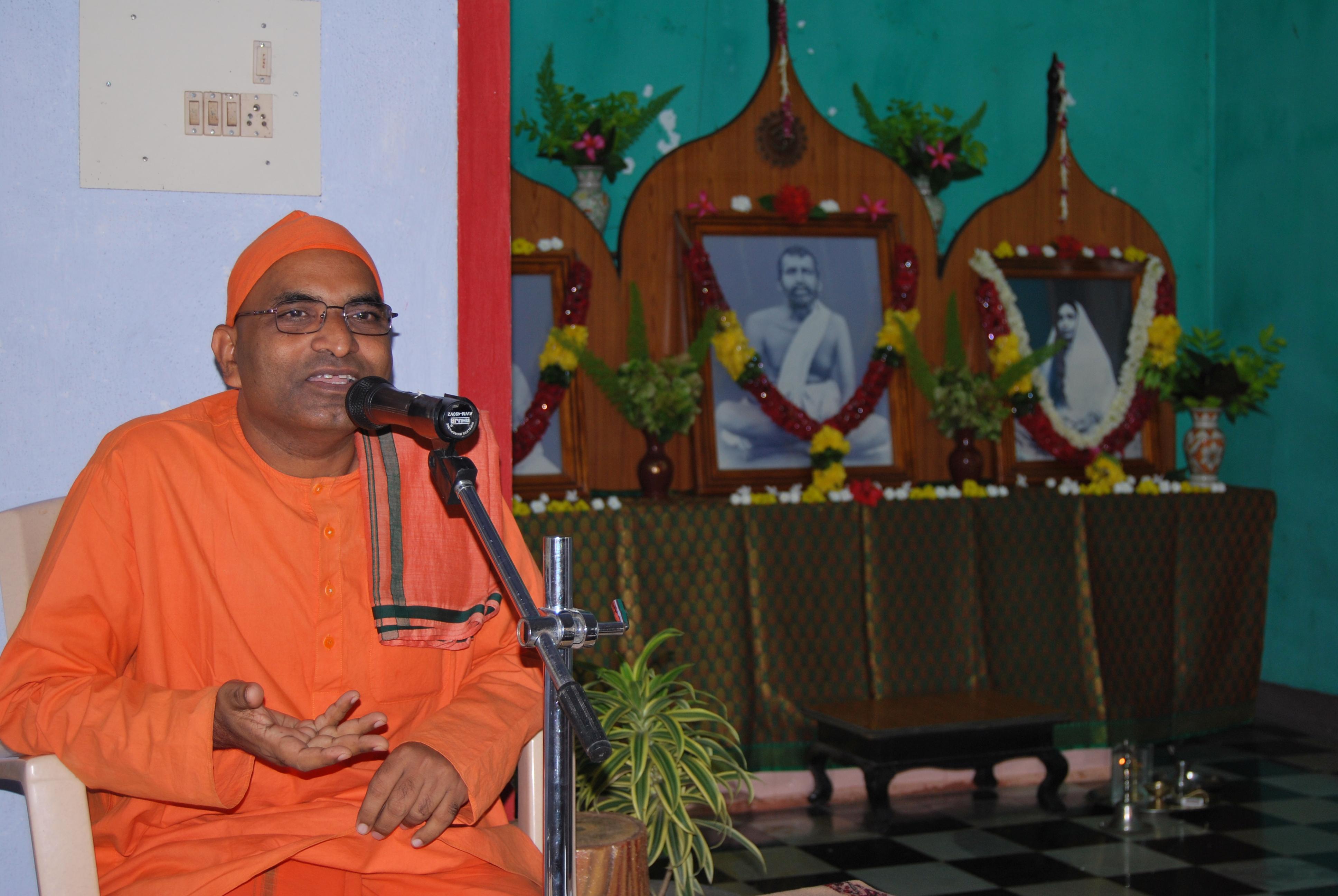 Rev. Swami Parijneyanandaji Maharaj.