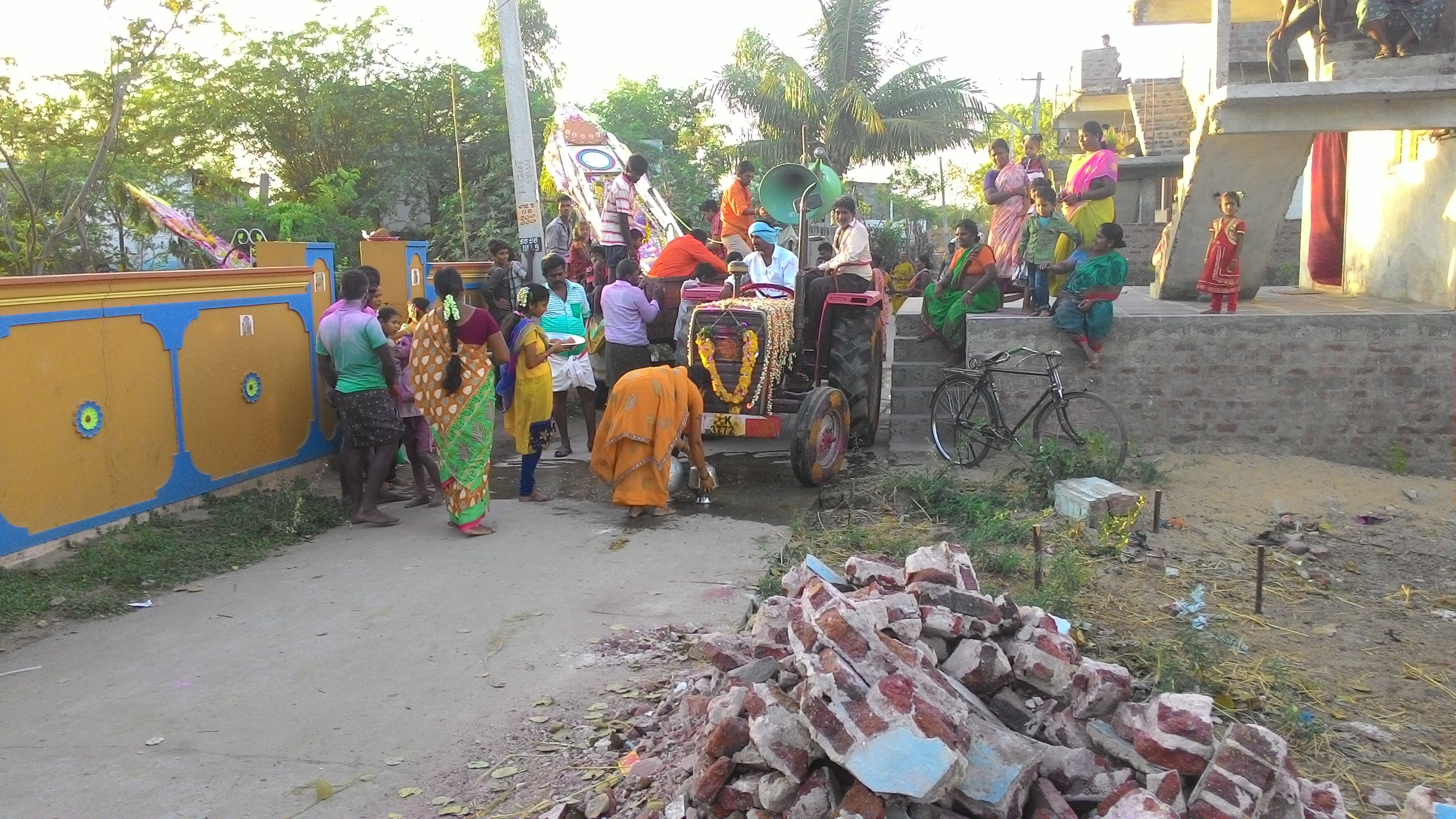 Devotees of the villages welcoming the Prabha