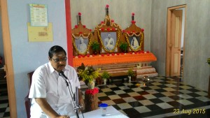 Dr. P. Syamasundara Murthy speaking in the Retreat
