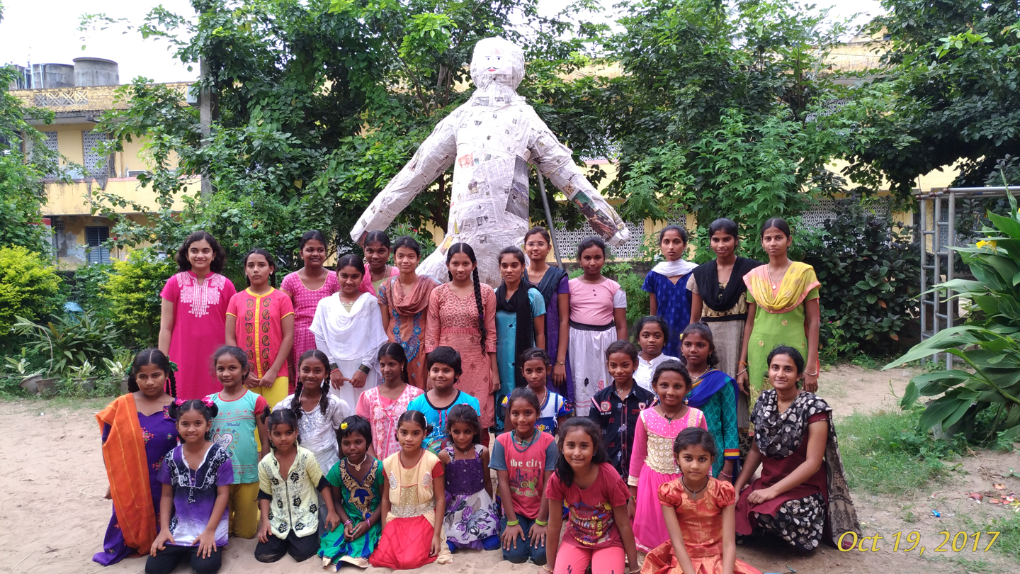 20171019 Balavihar girls with the effigy of Narakasura - Deepavali