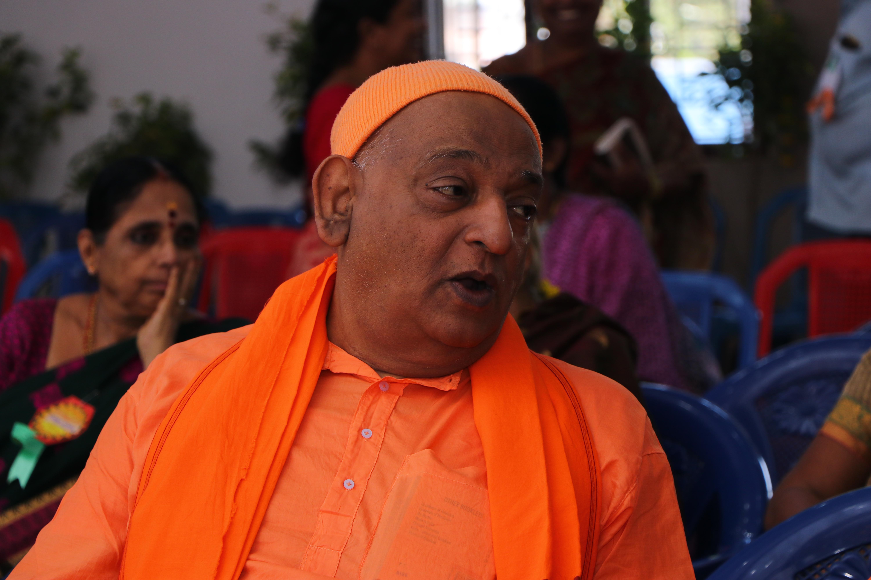 Rev. Swami Divyanandaji Maharaj.